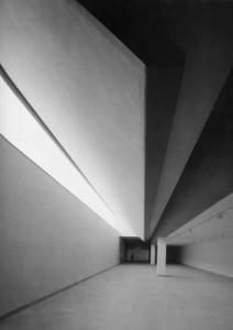 Extenso recorrido por la obra del genial arquitecto Navarro Baldeweg, en el museo ICO de Madrid. Aquí.
